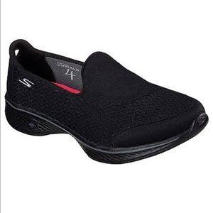 Skechers GOwalk Black Athletic shoes size 8.5
